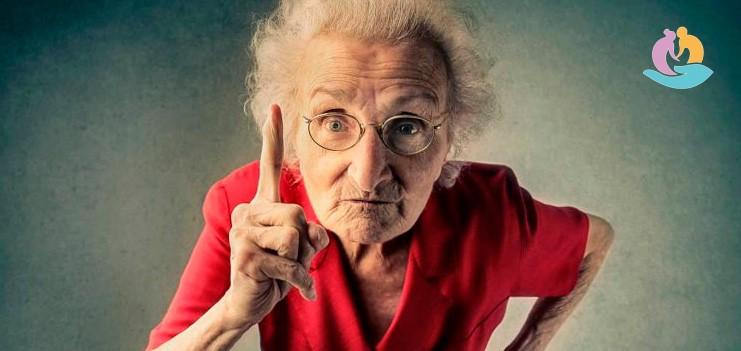 Агрессия у пожилых людей – как общаться?