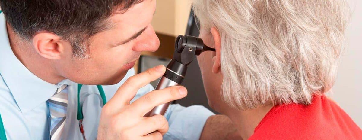 Особенности общения с пожилыми людьми с полной или частичной потерей слуха