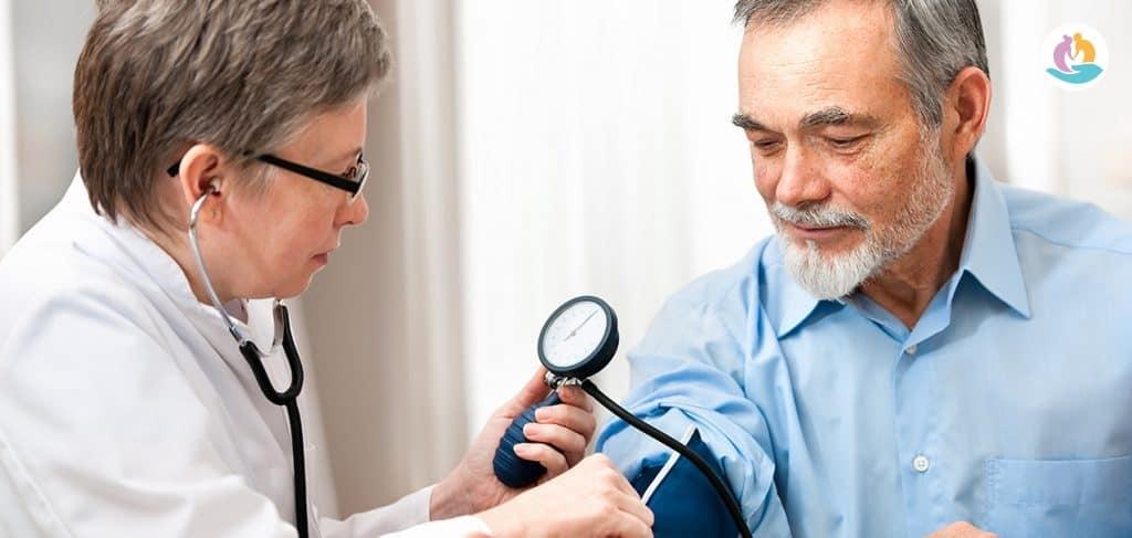Лечение высокого давления у пожилых людей