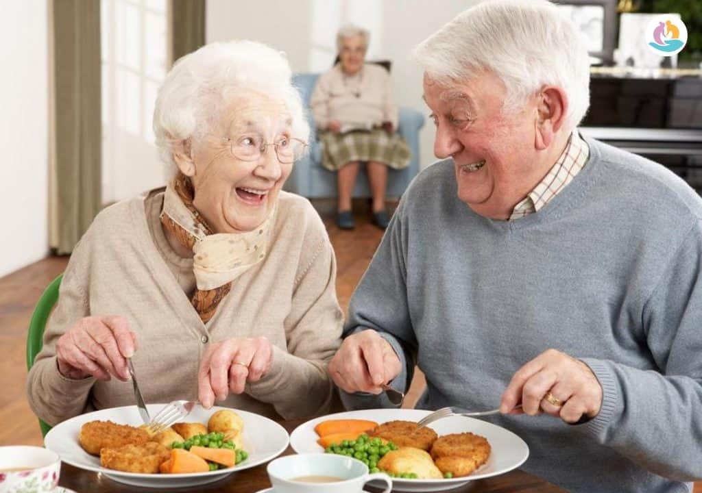Чем кормить лежачего больного с деменцией