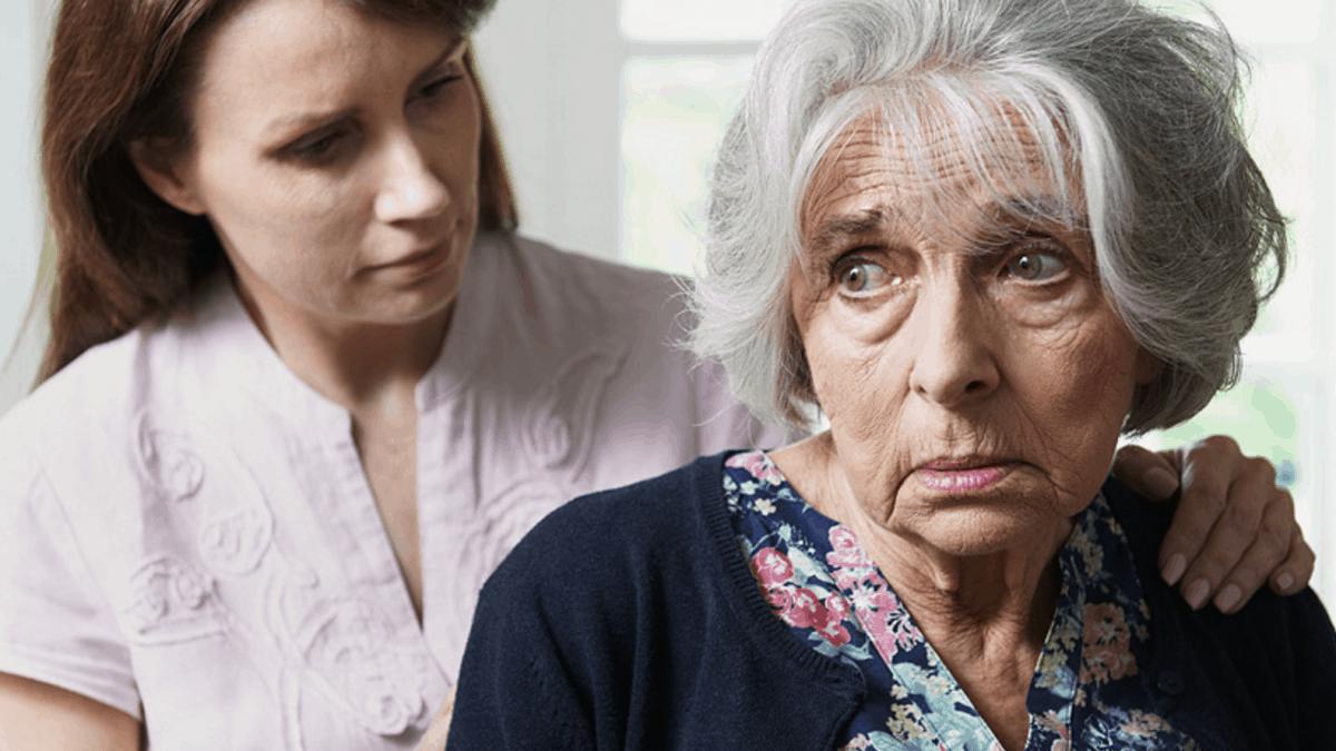 Поведенческие проявления и симптомы деменции: как их идентифицировать и что с ними делать